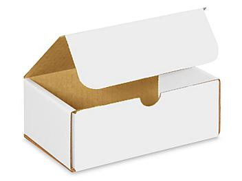 """6 1/2 x 4 1/2 x 2 1/2"""" White Indestructo Mailers S-967"""