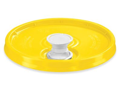 Lid with Spout for 3.5, 5, 6 and 7 Gallon Plastic Pail - Yellow